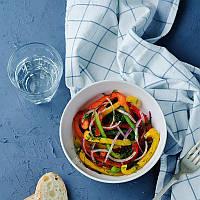 Салат с болгарским перцем и соевым соусом