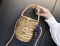 Плетеная маленькая сумочка