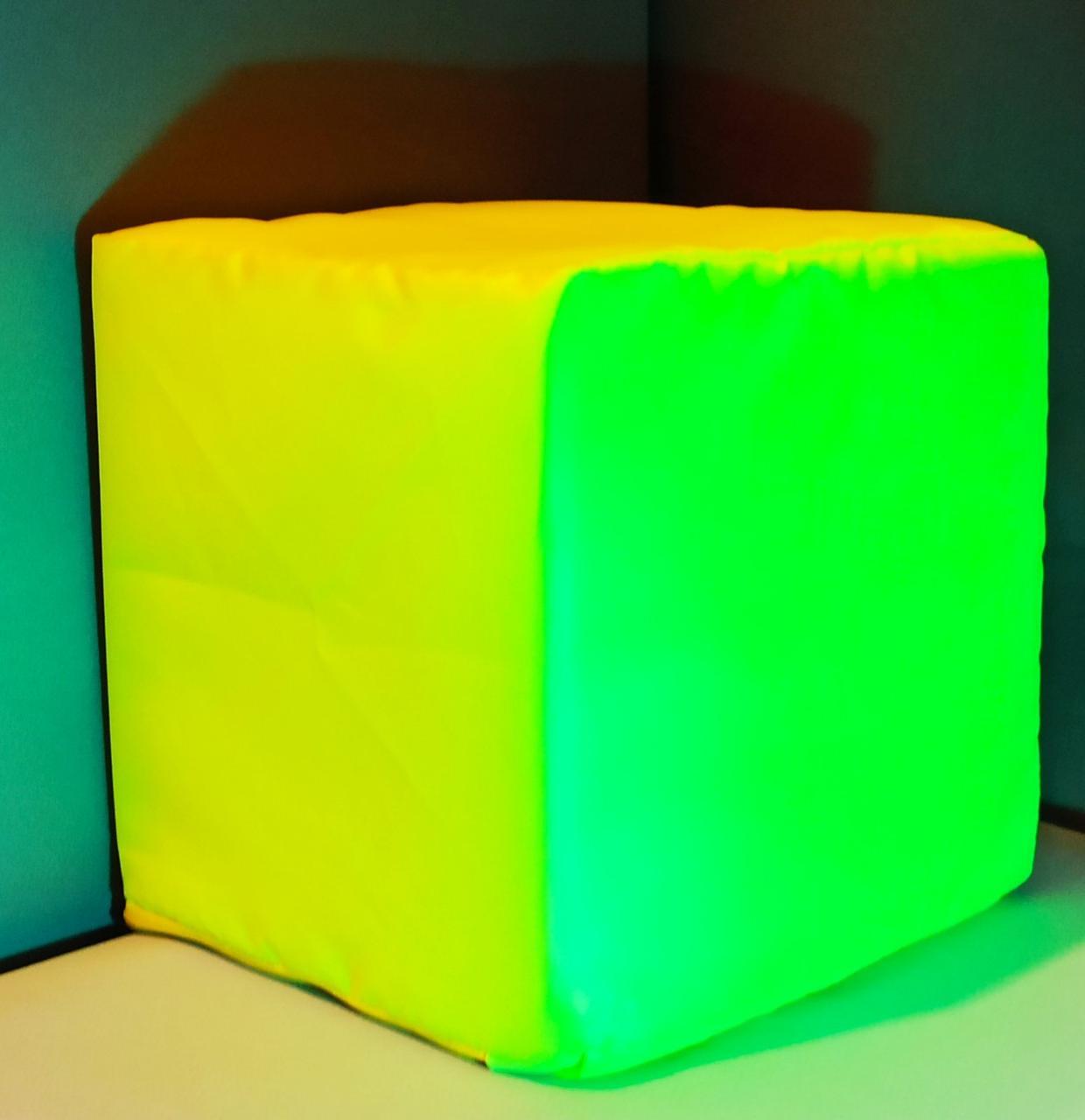 Светящиеся поролоновые кубики в чехлах 20см Флуоресцентные