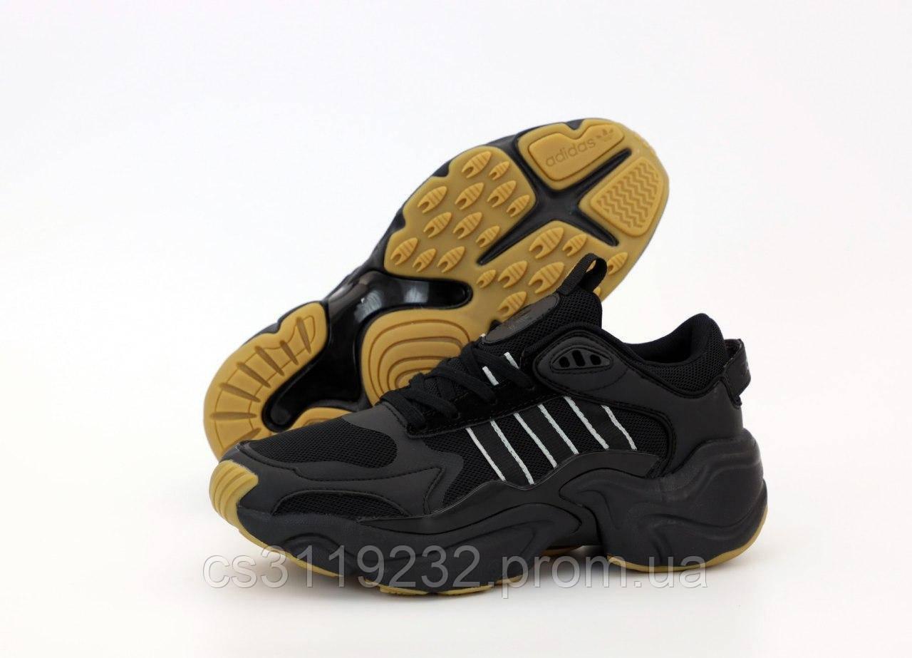 Мужские кроссовки Adidas Consortium x Naked Magmur Runner (черные)