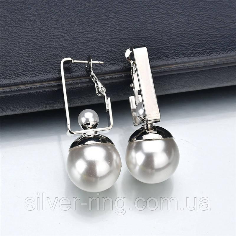 Сережки с жемчужиной в серебре
