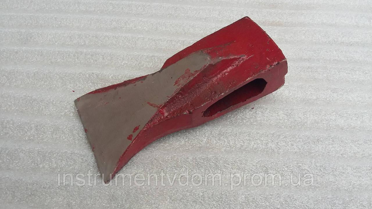 Колун токарный со щеками красный 2,5 кг (без ручки)