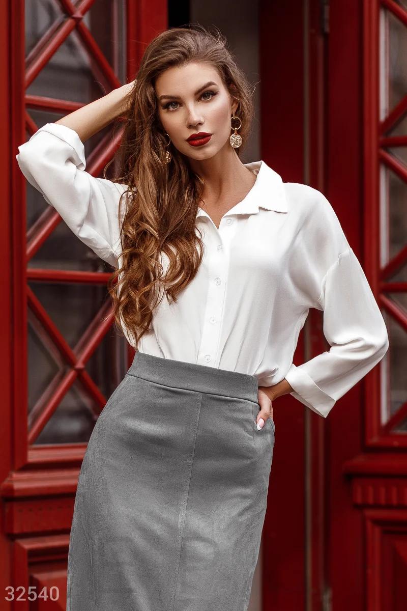 Класичесская блуза с отложным воротником длинный рукав молочная