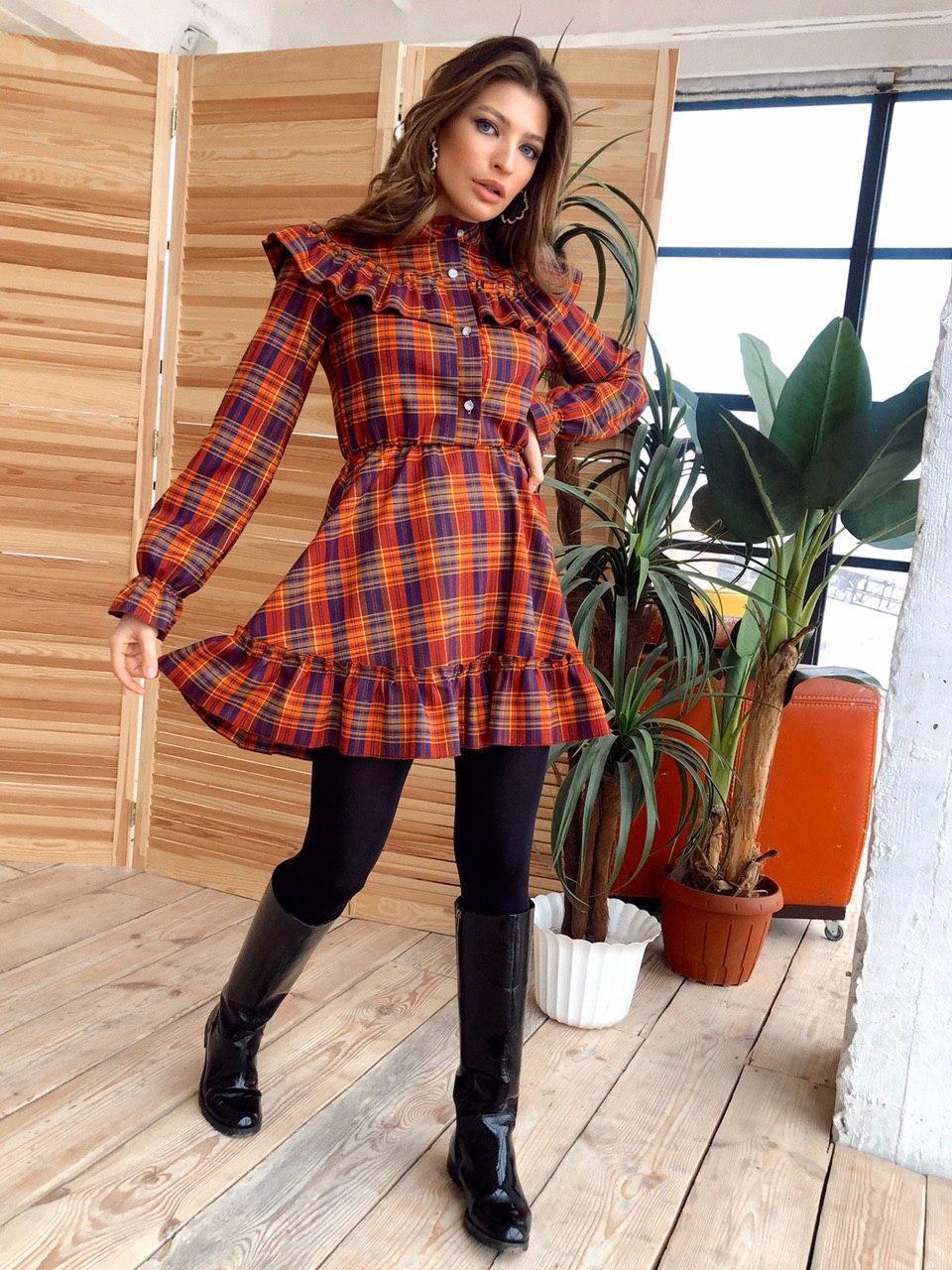 Платье в клетку с оборками на груди и рубашечным верхом vN6871