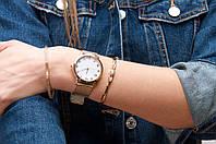 Часы кварцевые с металлическим ремешком серебро