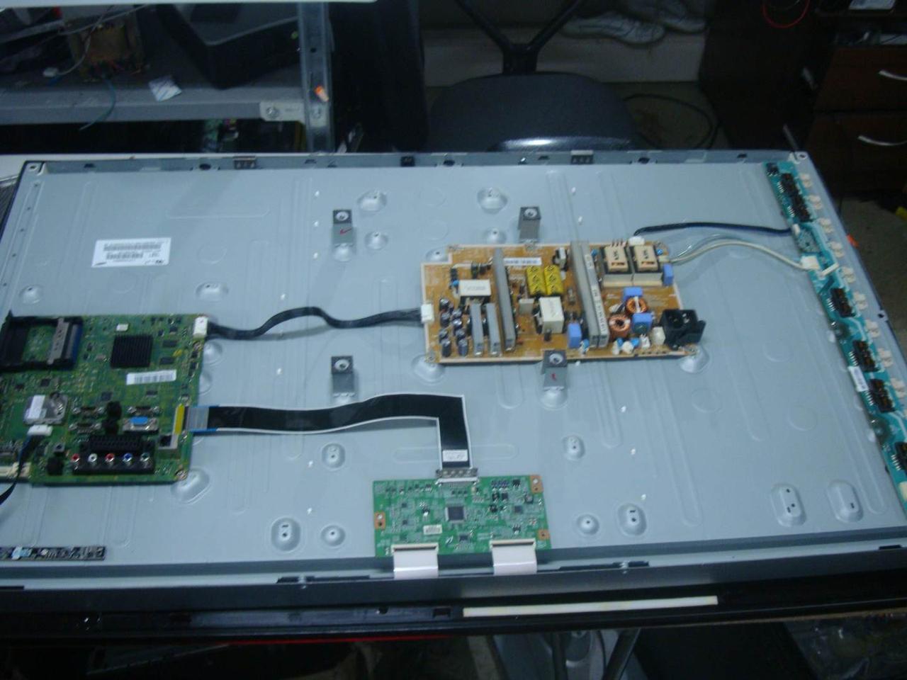 Запчасти к телевизору Samsung LE40C550 (Bn41-01331b, BN44-00340B I40F1_ADY, F60MB4C2LV0.6, SSB400_12V01)