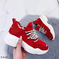 Женские стильные кроссовки красные эко-замш, фото 1
