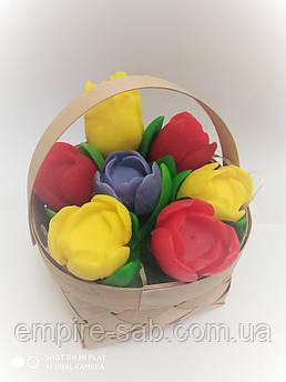 «Кошик з тюльпанами»