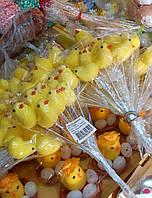 Декоративні великодні курчата на паличці