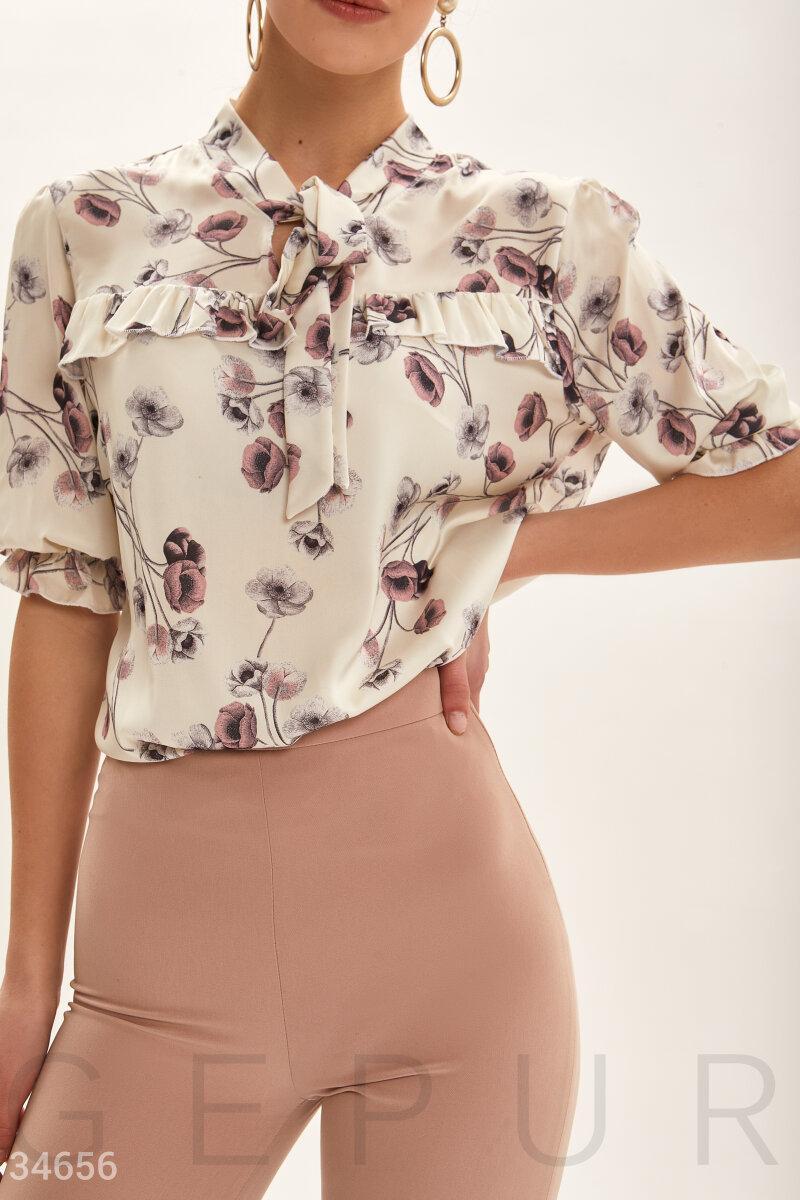 Шелковая блуза свободного кроя с цветочным принтом