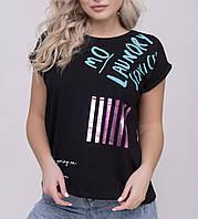 Женская футболка в разных цветах