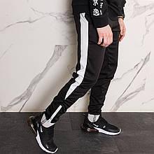 Спортивные штаны черные с белым лампасом мужские бренд ТУР модель Рокки (Rocky)