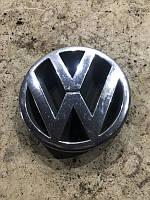 Эмблема производителя Volkswagen Passat b5 3b0853601b