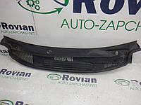 Б/У Решетка под лобовое Mercedes W245 2005-2011 (Мерседес Б), A1698300013 (БУ-187069)