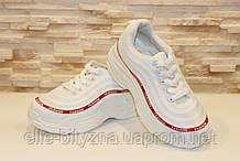 Кросівки білі з червоною смужкою Т39