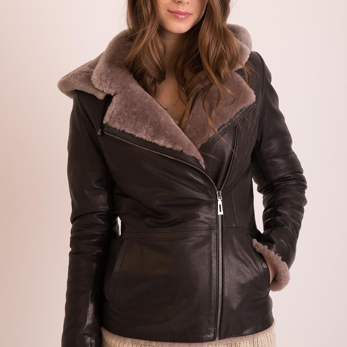 Зимняя куртка дубленка женская с капюшоном (Арт. LA102)