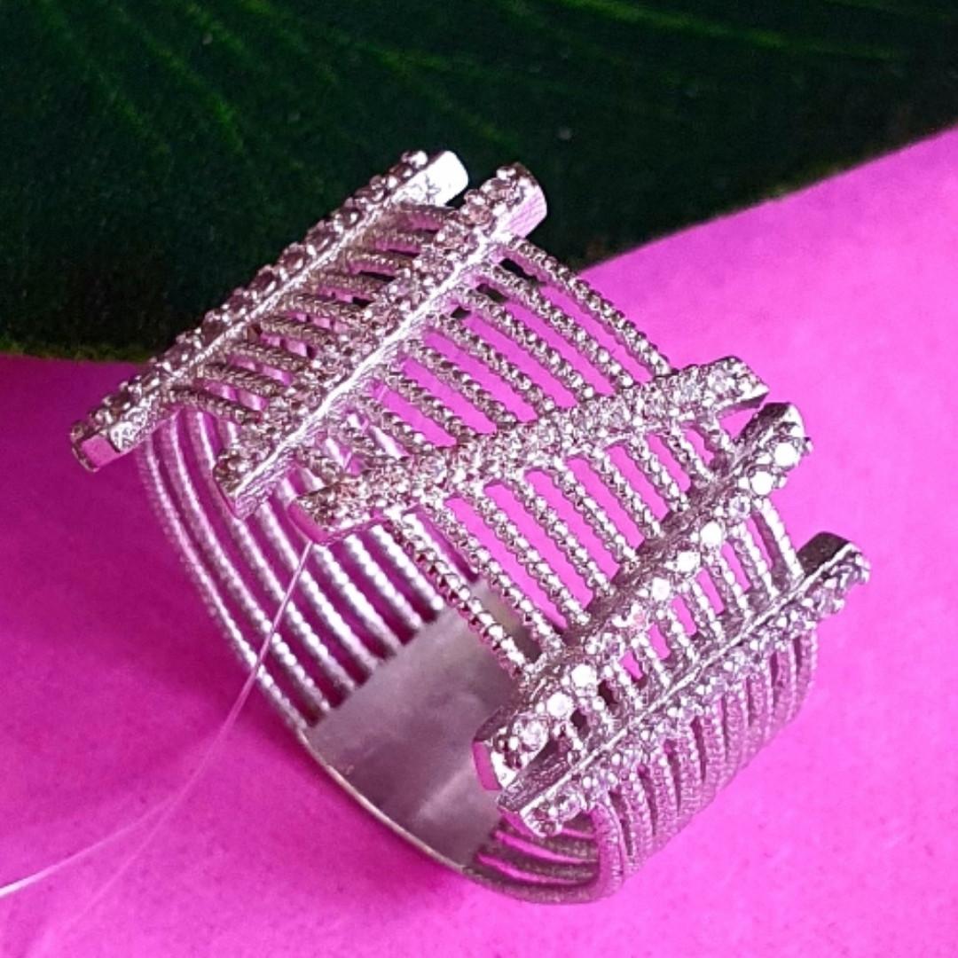 Оригинальное женское серебряное кольцо