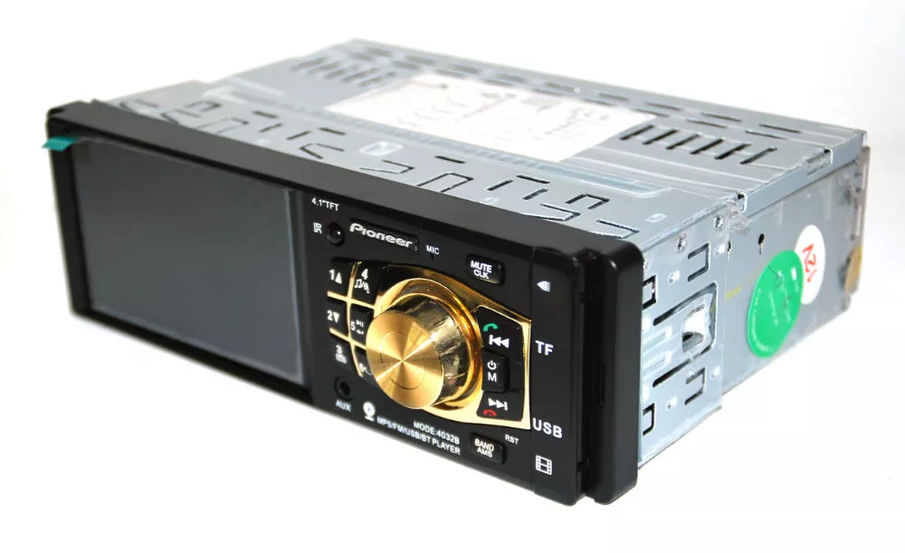 Магнитола для автомобиля Pioneer 4032 - экран 4,1''