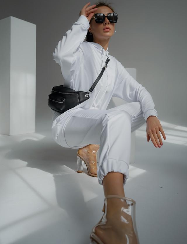 Женский спортивный костюм свободного фасона