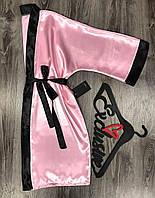 Розовый короткий халат из атласа с черной отделкой 081.
