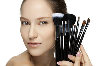 Аксесуари для макіяжу