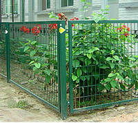 Секция заборная (забор) из сложно-рифленной сетки 50x50 диаметром 4мм.