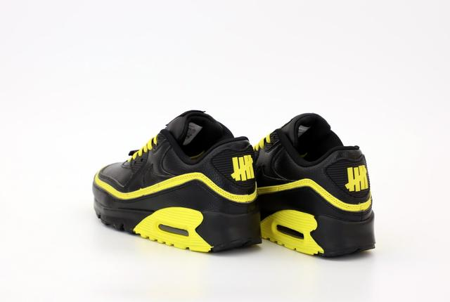 Nike Air Max 90 Undefeated Optic Yellow фото