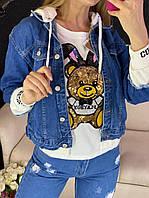 Женская джинсовая куртка с капюшоном и вставками на рукавах 79KU278, фото 1
