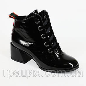 Кожаные стильные ботинки на байке со шнуровкой