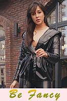 Куртка с лаковым блеском