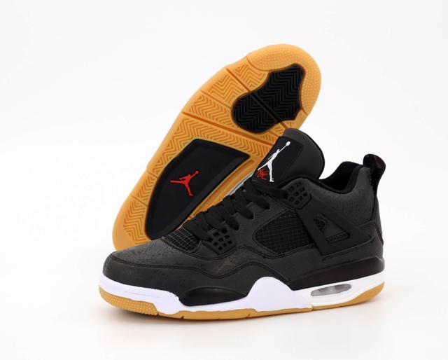 Баскетбольные кроссовки Air Jordan 4 Retro Flight Black фото