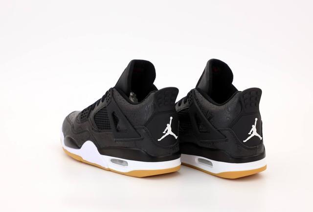 Баскетбольные кроссовки Air Jordan 4 Retro Flight Black Gum фото