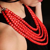 Червоне п'ятирядне намисто з дерев'яних намистин циліндричної форми