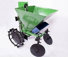 Картофелесажалка для мотоблока ЛанОК с бункером для удобрений