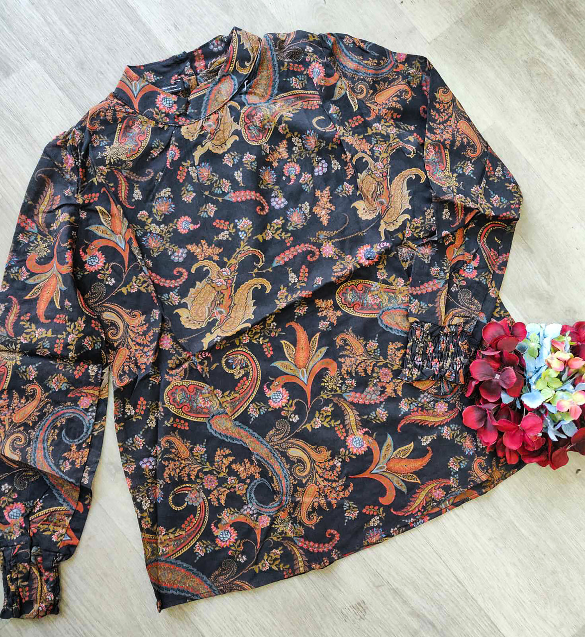 Женская закрытая блуза с узорами (48-50)
