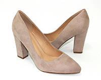 Женские туфли на широком устойчивом каблуке