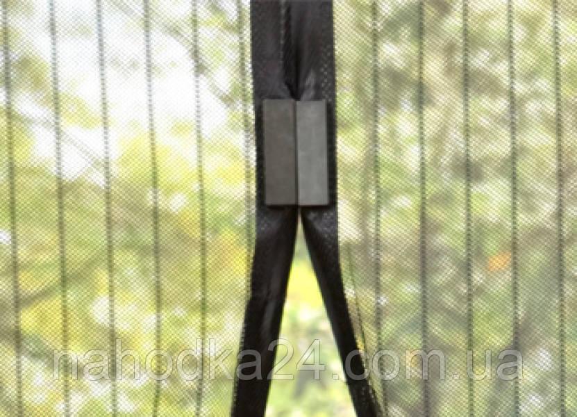 Сетка москитная на магнитах на двери Magic Mesh (антимоскитная)