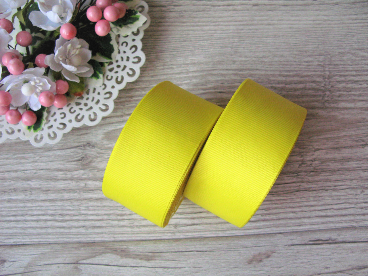 Лента репсовая, на метраж, ширина 4 см, цвет желтый, 4 грн за метр.