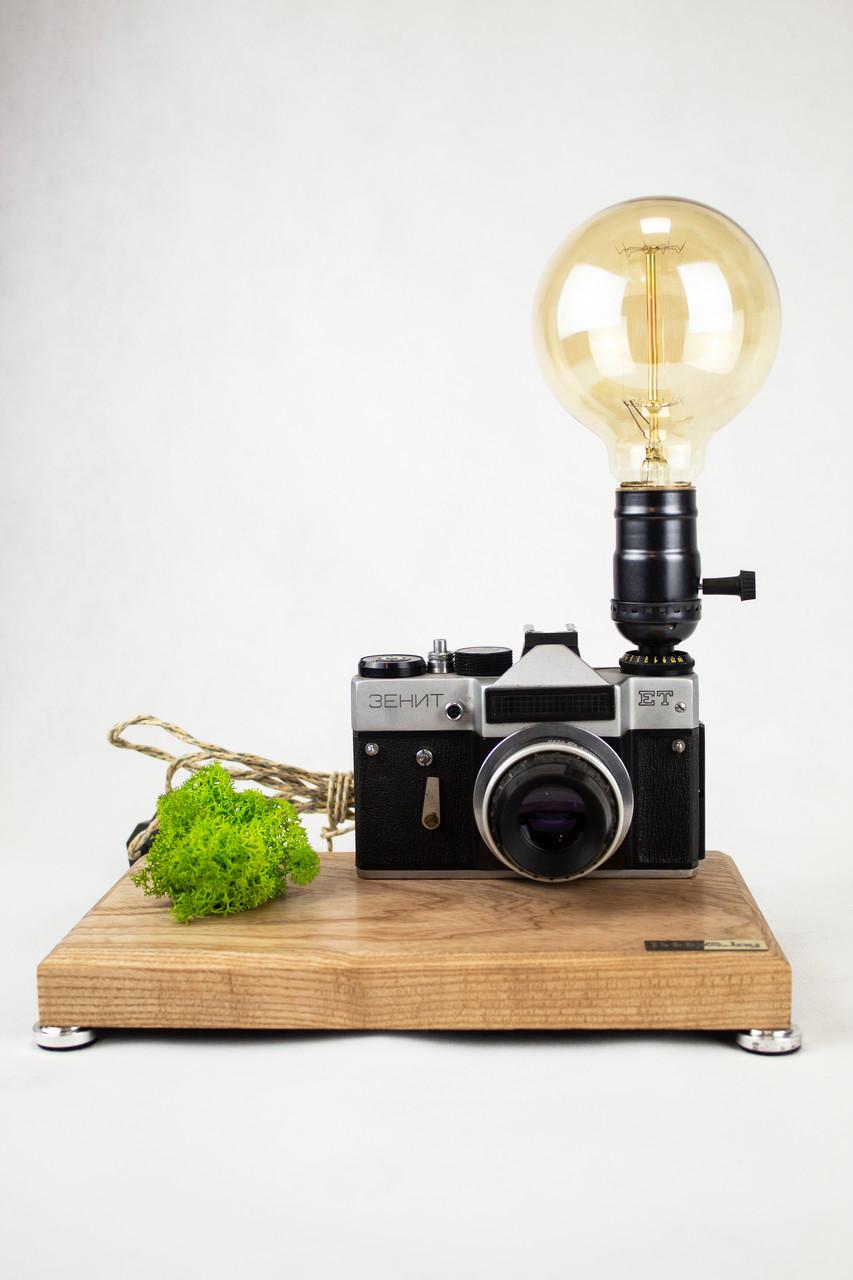 Настільна лампа Pride&Joy з вінтажним фотоаппаратом та мохом