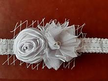 Детская белая повязка - размер универсальный (на резинке), декор 8см