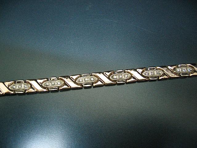 Золотой браслет женский с вставками