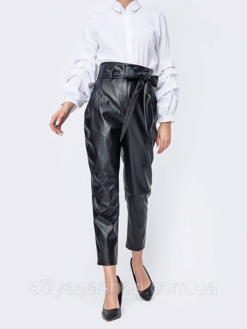 Кожаные укороченные брюки с высокой посадкой