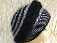 Женский берет чёрный с серым из ангоры с объёмным плетением