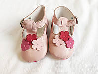 Пинетки розовые кожаные с цветочным декором и узором ручной работы (размер 16, 3-6 мес)