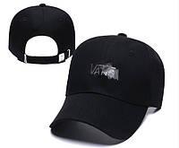 Кепка Бейсболка Ванс (Vans) черная с белым лого