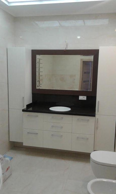 Набір меблів у ванну тумба з дзеркалом + 2 пенала