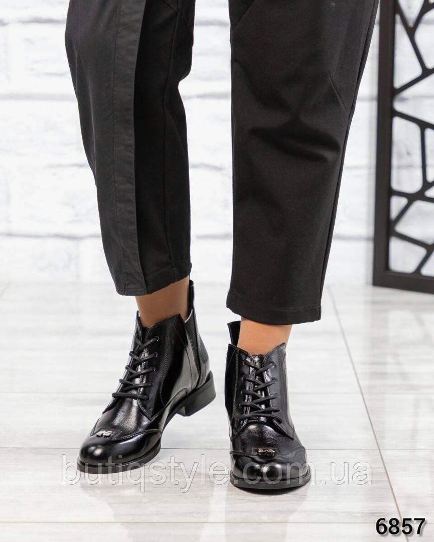 38 розмір Жіночі чорні черевики натуральна лакова шкіра на низькому ходу Демі