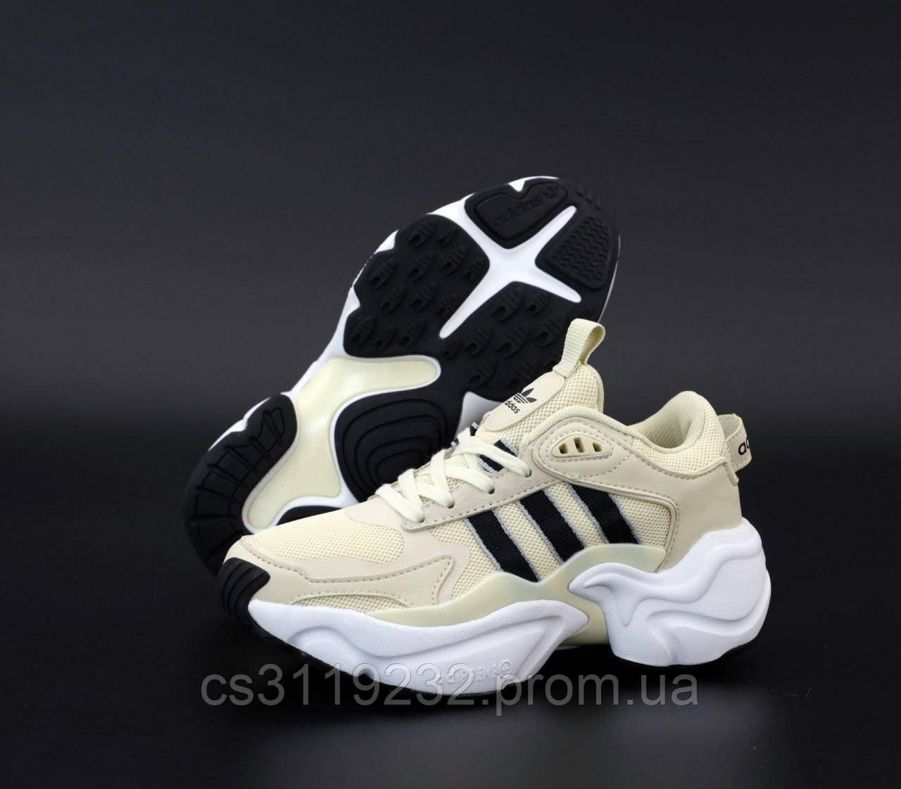 Женские кроссовки Adidas Consortium x Naked Magmur Runner (бежевые)