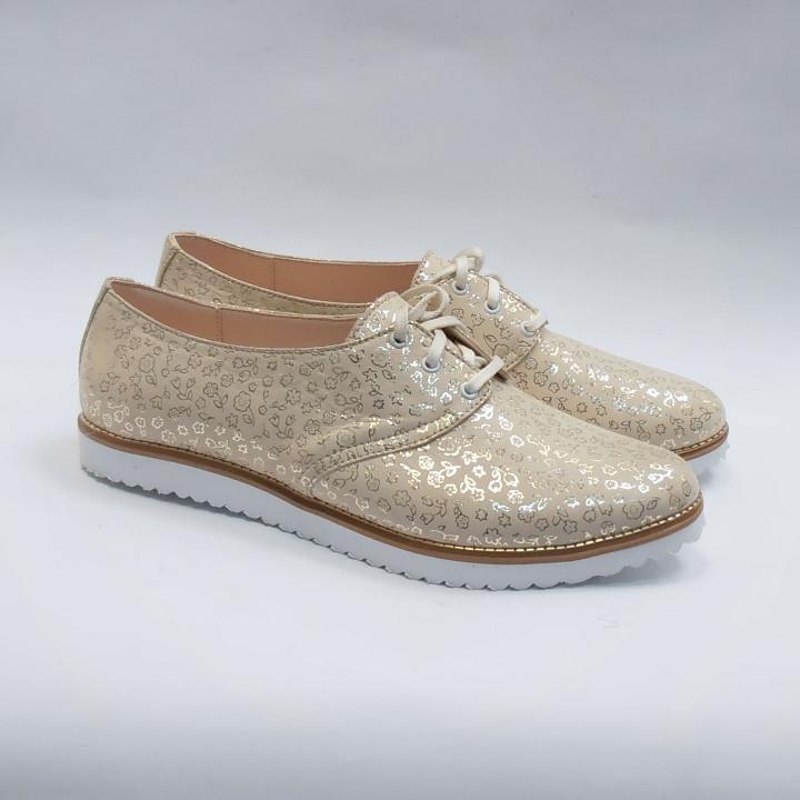 Женские туфли на шнурках кожаные бежевые