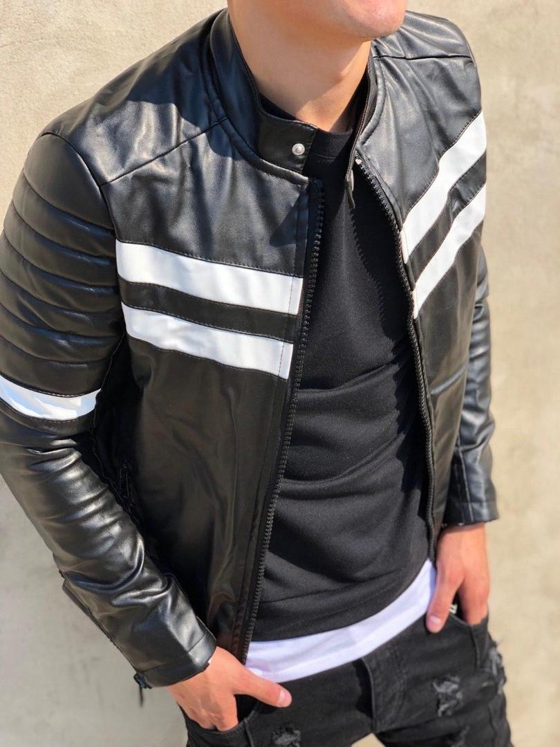 Мужская куртка из эко кожи  черная с белыми полосами СММ